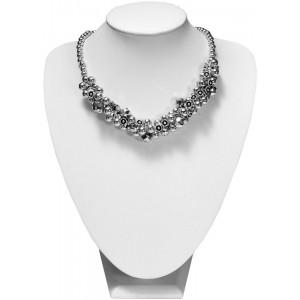 Modny i elegancki srebrno szary naszyjnik